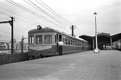004-195308-olympus35-shimbashi02a.jpg