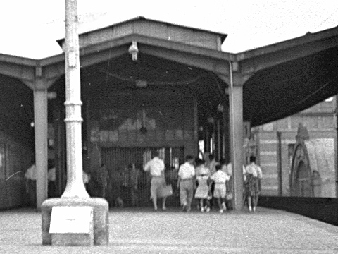 006-195308-olympus35-shimbashi02c.jpg