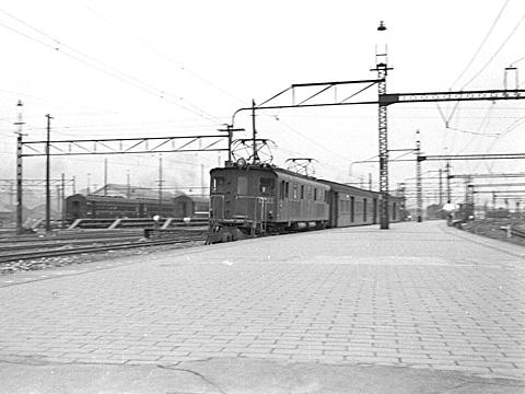010-195308-olympus35-shinagawa.jpg