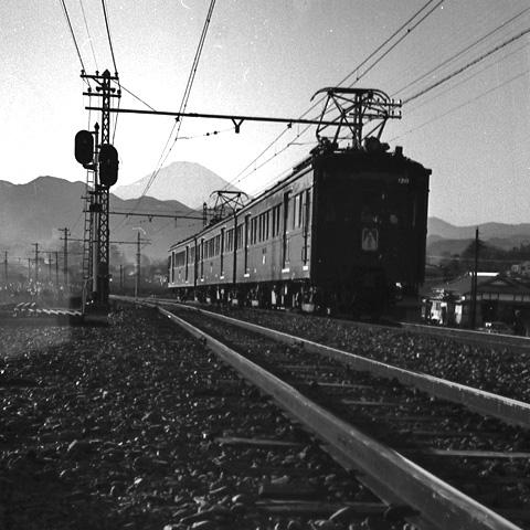 012-196301-odakyu-shinmatsuda-fuji.jpg