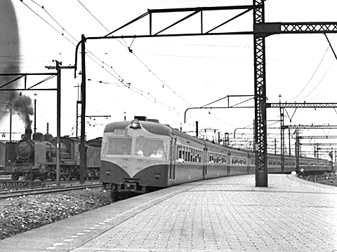 016-195308-olympus35-shinagawa03b.jpg
