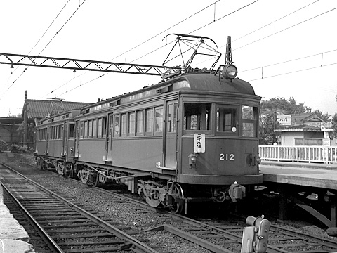 019-195907-keihan-sanjo-212.jpg