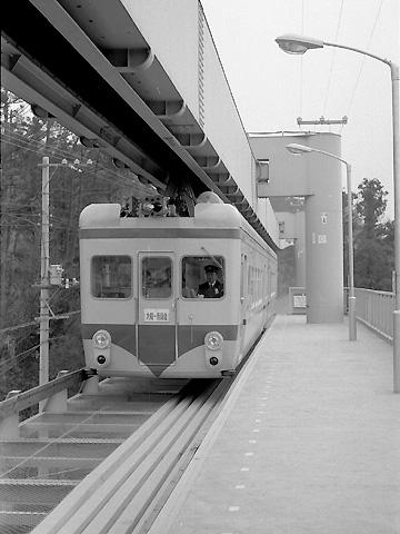 02-1970-monorail.jpg