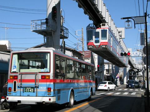 08-071112-monorail.jpg