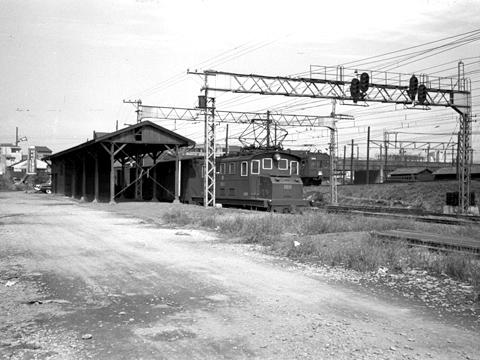 110-195410-oer-shinjuku-freight-01.jpg