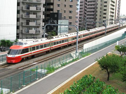009-20111001-odakyu-7000LSE-ebina-480.jpg