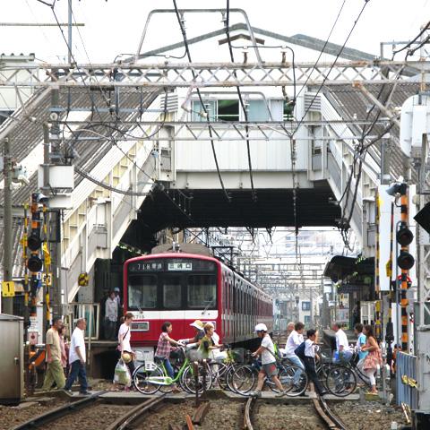 010-fumikiri-20130727-keisei-tateishi.jpg