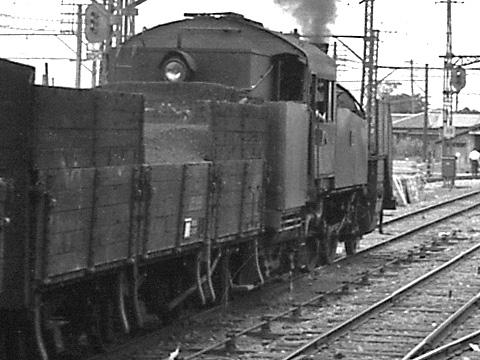 013B-195408-tobu-nishiarai-C11closeup.jpg