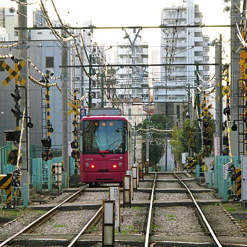 015-20131212-toden-arakawaline-mukaihara.jpg