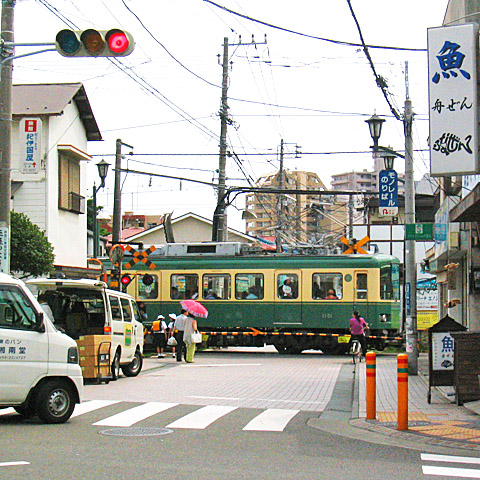 034-20070709-enoden-enoshima-480sq.jpg