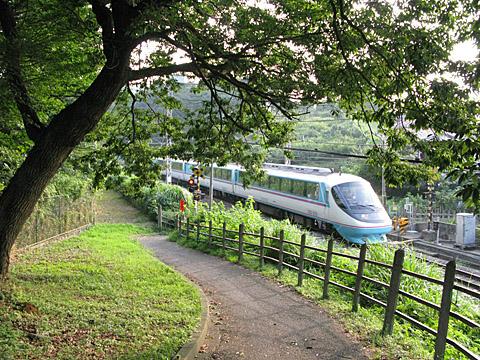 049a-20080802-odakyu-tsurukawa4-RSE.jpg