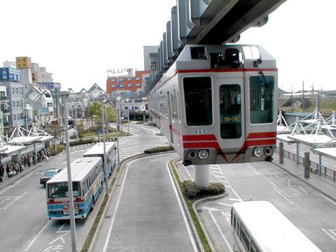 06-000417-monorail.jpg