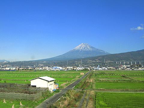 105-201111-shinkansen.jpg